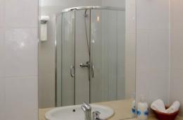 Double_Room_Bath